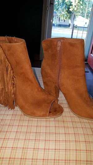 CUTE Fringed Peep Toe Side Zipper Ankle Boots size 7.1/2 for Sale in Middletown, OH