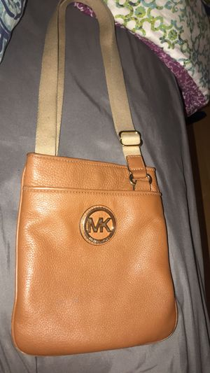 Tan Michael Kors Crossbody Purse for Sale in West Springfield, VA