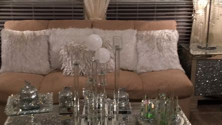 Very Good Quality MicrofiberSectional you can rearrange them into a queen size bed great for company very good condition for Sale in Mesquite,  TX