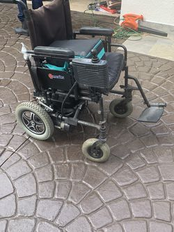 Electric Wheelchair And Walker.... for Sale in Hialeah, FL