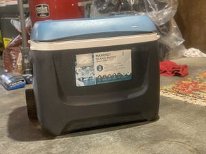 Igloo cooler 23inx13inx14in length/width, depth for Sale in Portland, OR