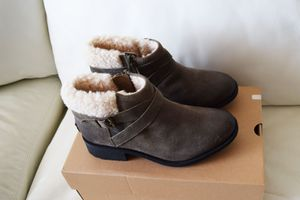 UGG Women's Benson Boots Size 10 for Sale in St. Petersburg, FL