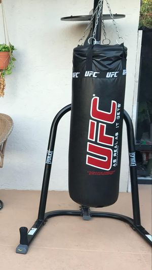 Ufc punching bag set in great shape for Sale in West Palm Beach, FL