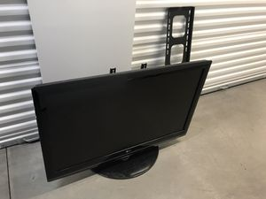 LG 40 inch 1080p TV for Sale in Chandler, AZ