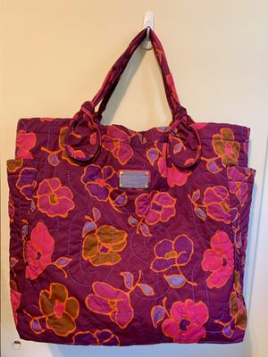 MARC by MARC JACOBS TOTE HANDBAG LARGE in WINE MULTI for Sale in Rockville, MD