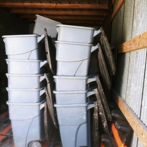 Commercial Grade Trash Bins / Cans On Wheels for Sale in Pasadena, TX