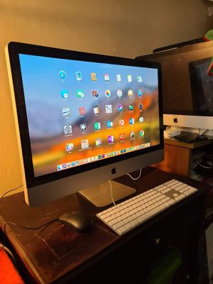 Excellent 21.5 inch Apple Imac Desktop computer with Intel Core i5 Proccesor with programs for Sale in Oakland, CA