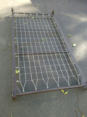 Twin bed frame for Sale in Riverside, CA
