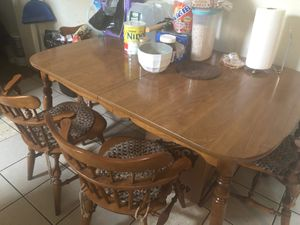 Kitchen table with 4 chairs for Sale in Trenton, NJ