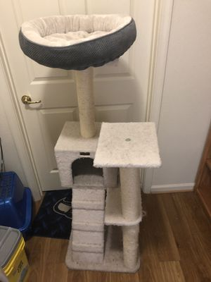 Cat tower for Sale in Fort Belvoir, VA