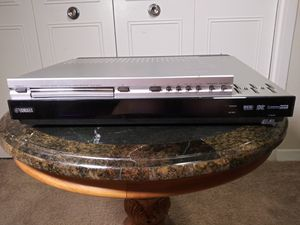 Yamaha Surround System w/5 speakers, subwoofer and wall mounts for Sale in Silver Spring, MD