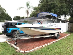 2007 Bayliner boat 18.5foot. Inboard/outboard motor for Sale in New Port Richey, FL