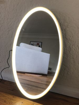 Oval LED Rechargeable Cordless Vanity Mirror for Sale in West Hollywood, CA