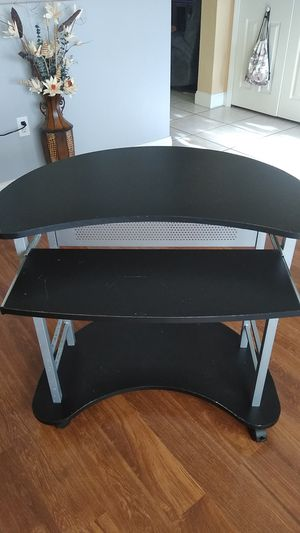 Computer desk for Sale in Deltona, FL