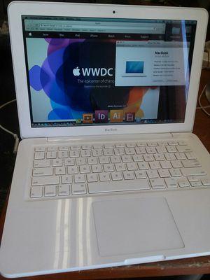 Apple MacBook Unibody 13 for Sale in Los Angeles, CA