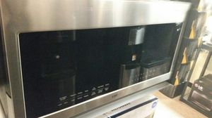 Samsung over the range microwave for Sale in Modesto, CA