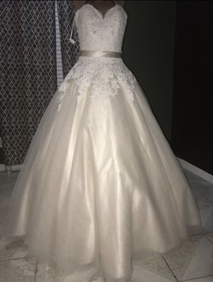 IVORY OVER GOLD STRAPLESS WEDDING DRESS for Sale in Fairburn, GA