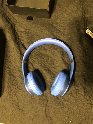 Beats solo 2 headphones for Sale in Madeira Beach, FL