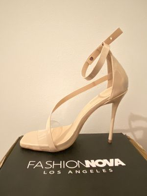 Nude Heels, Size 10. Clear strap by toes. for Sale in Queens, NY
