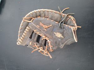 Easton BASEBALL first base glove for Sale in La Puente, CA