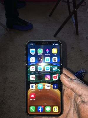 iPhone 11 unlocked for Sale in Harrisburg, PA