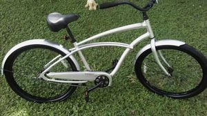 All aluminum trek classic big wheel cruiser with bike cover all like new for Sale in Tampa, FL