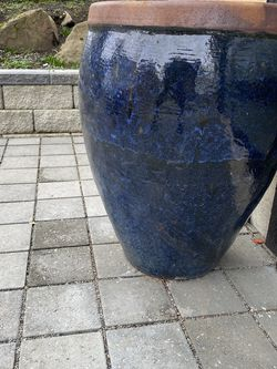 Large Garden Pot Container for Sale in Seattle,  WA