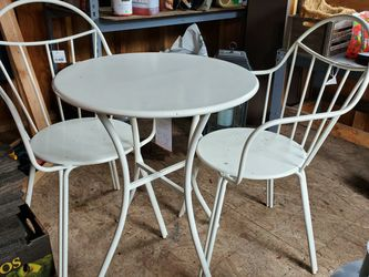 Brand New Ivory Table And Chairs Patio for Sale in Tenino,  WA