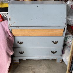 Secretary Desk for Sale in Bell Gardens,  CA
