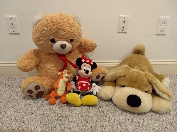 Teddy bear ,minnie, Tigger and stuffed dog