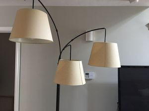 Like new three shade lamp for Sale in Cleveland, OH
