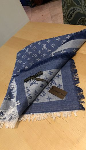 Louis Vuitton shawl / scarf for Sale in West Park, FL