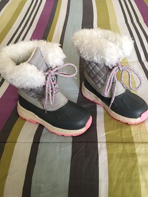 Carter's Girls Size 10 Winter Boots! for Sale in Reno, NV
