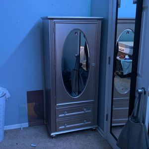 Drawer With Mirror for Sale in Hyattsville, MD