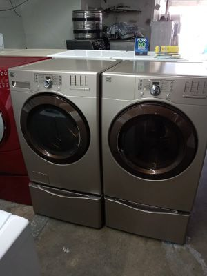 Kenmore ELITE washer and dryer electric nice set for Sale in Houston, TX