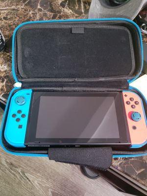 Nintendo Switch w/ Super Smash Bros for Sale in Friendswood, TX