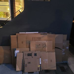 Free Moving Boxes - All Sizes for Sale in San Francisco, CA