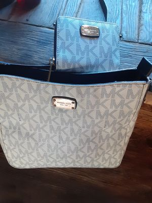 Michael Kors Cross Bag & Wallet for Sale in North County, MO
