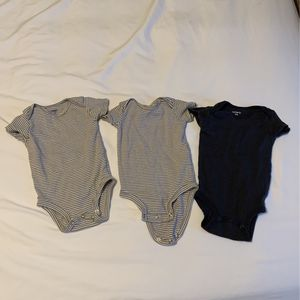 6month 3 Onesies for Sale in Enumclaw, WA