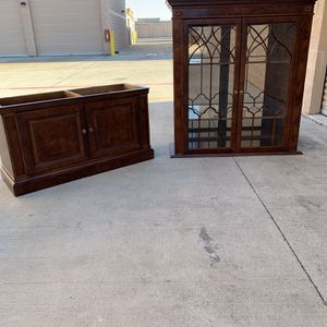 China Cabinet (With Shelf Lights) for Sale in Mansfield, TX