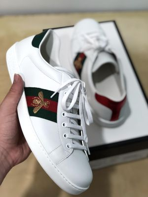 Gucci Ace Sneaker (Embroidered Bee) for Sale in Miami, FL
