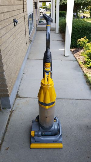 Dyson vacuum cleaner for Sale in Salt Lake City, UT