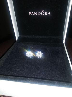I just want 80$ for these diamond earrings for Sale in Dallas, TX