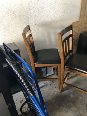 **FREE** 2 barstools for Sale in Oceanside, CA