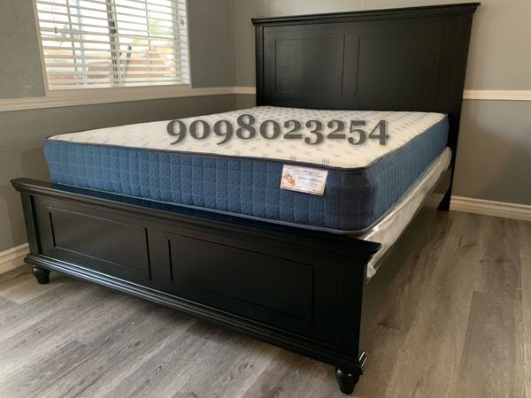Queen Black Wooden Bed w. Orthopedic Mattresses included