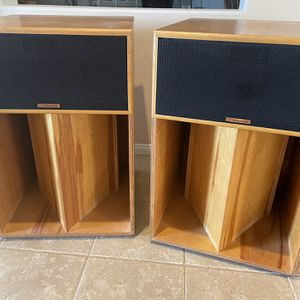 Klipsch La Scala Speakers Used In Perfect Condition for Sale in Las Vegas, NV