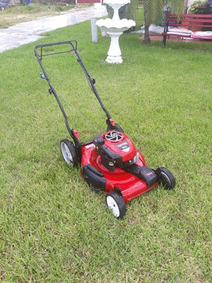 Craftsman self-propelled lawn mower for Sale in Pembroke Pines, FL