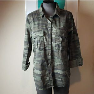 Forever 21 Size Large Camo Button Down Shirt for Sale in Redmond, WA