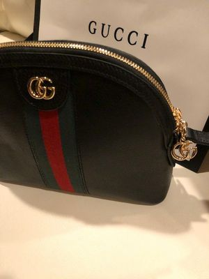 Gucci Crossbody bag for Sale in Beverly Hills, CA