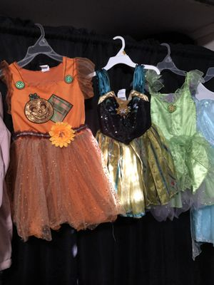 Scare crow Anna (from frozen) tinker bell costumes. Toddler size 3-5 sold as is. No extra accessories. $10 each. Girl costumes. Princess costumes. for Sale in Lynwood, CA